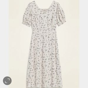 Old Navy   NWT Floral Midi Smocked Dress Large